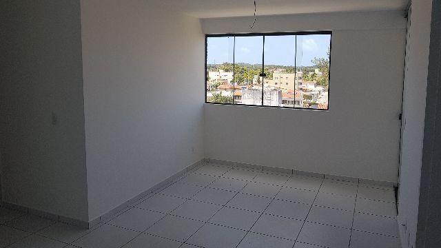 Apartamento Nova Parnamirim, 2 qt, vaga coberta, 64m²