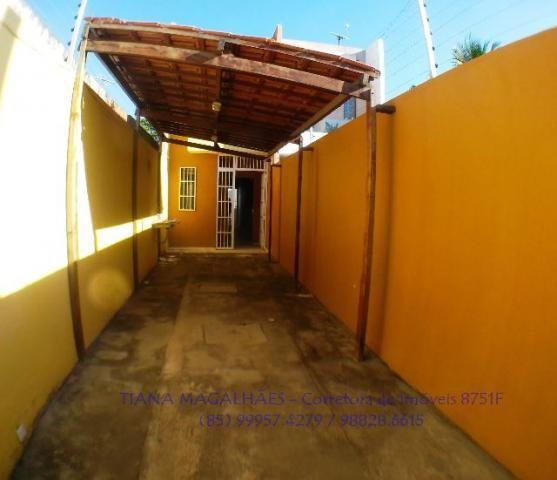 Casa Duplex com 78m², 2 quartos, closet, 2 vagas, em Maracanaú