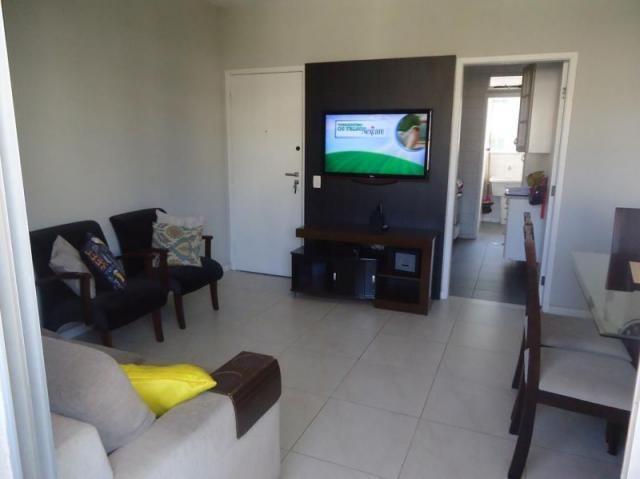Apartamento 3 quartos, sala ampla com varanda e 1 vaga.