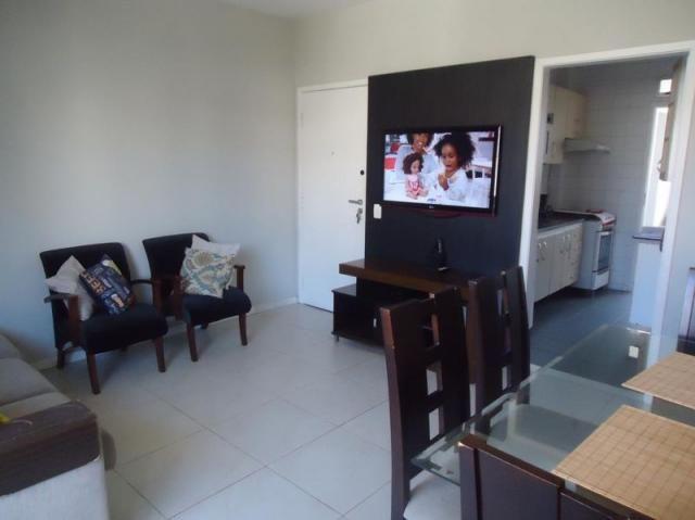 Apartamento 3 quartos, sala ampla com varanda e 1 vaga. - Foto 3