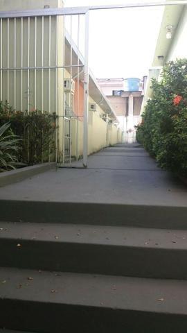 Alugo Ótima casa no parque 10 Sem Mobilia, Na rua da Boate Kiss - Foto 14