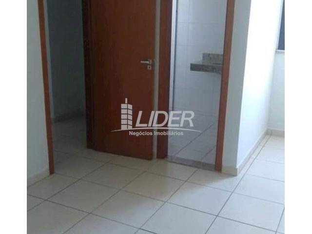 Casa de condomínio para alugar com 2 dormitórios em Saraiva, Uberlândia cod:864946 - Foto 7
