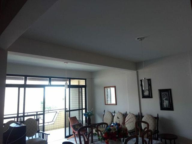 Grande apartamento para aluguel em Salinas. Ed. Bariloche. 4 quartos, s/ 3 suítes - Foto 8