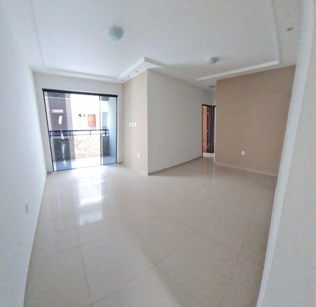 Apartamento com 02 quartos, ótimo acabamento - Foto 2