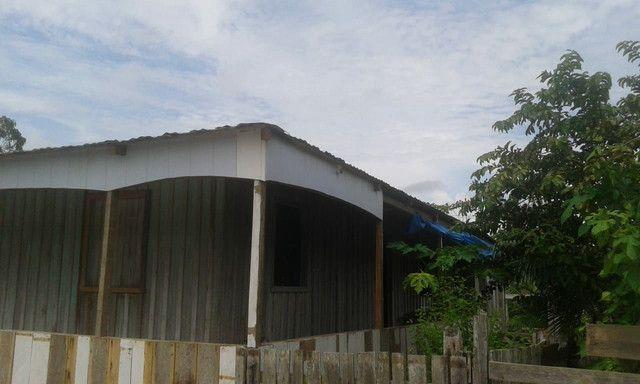 Vendo uma casa com dois terrenos e um sítio valor a negociar  - Foto 3