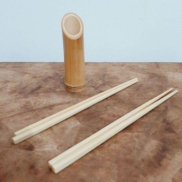 Jogo com 2 Pares de Hashi de Bambu para Sushi e Culinária Oriental