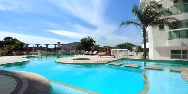 Condomínio clube com 2 Quartos na Enseada do Suá, Vitória-ES