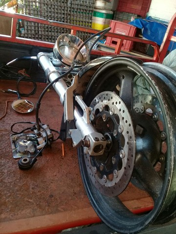 Peça frente de moto kasisnk mirage 650 - Foto 3