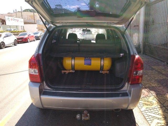 Tucson automático completo com GNV chave reserva e manual. Muito novo - Foto 7