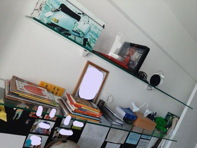 Bancada com prateleiras em vidro - Foto 3