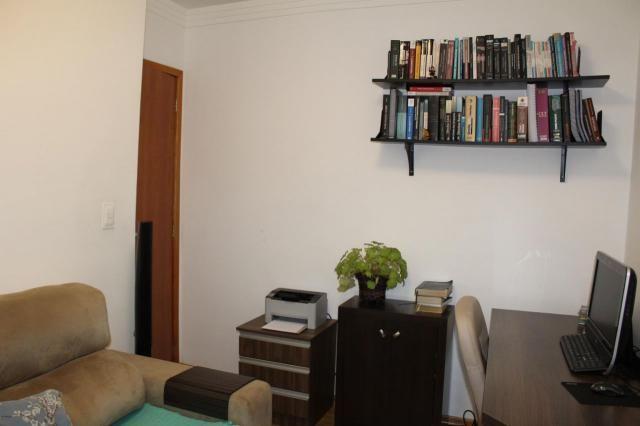 Oportunidade!!! apartamento 3 quartos todo reformado e com ótima localização - Foto 4