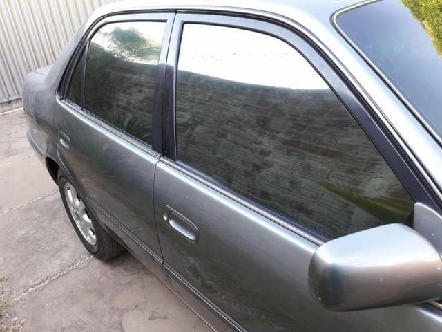 Corolla automático 2001 bom estado de conservação - Foto 3