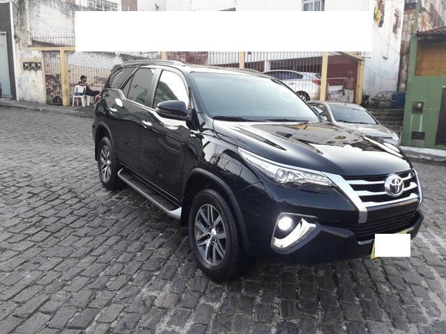 Vendo Toyota Hilux Sw4 Srx 4x4 automática, 7 lugares, financio, passo cartão - Foto 6
