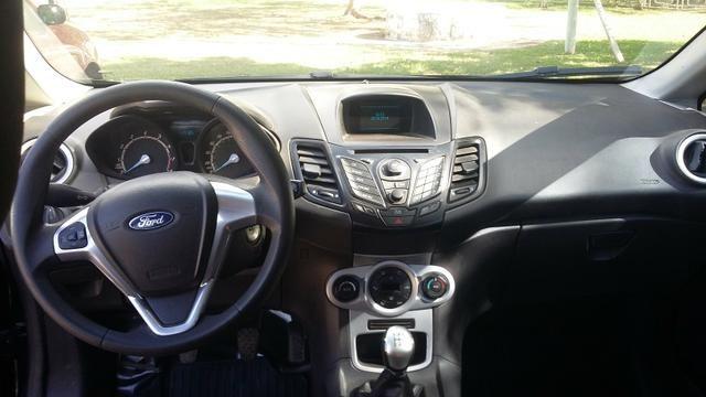 New Fiesta Hatch. Carro da Família. - Foto 4