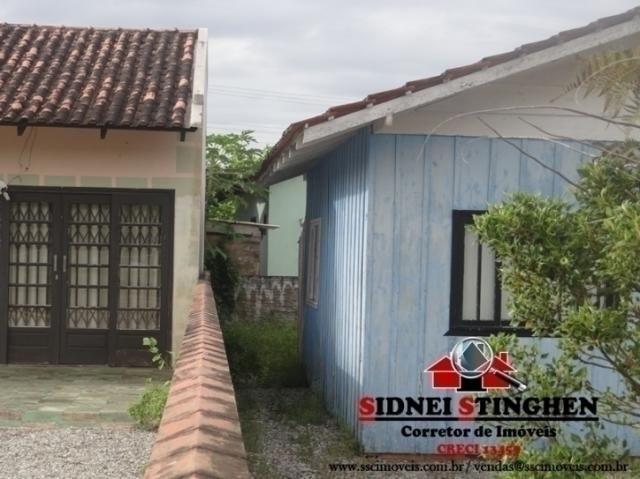 Casa de madeira, bem próxima da lagoa, em Bal. Barra do Sul - SC. - Foto 2