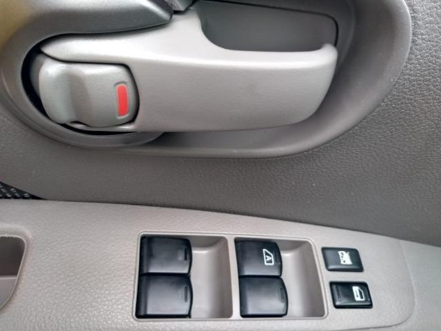Nissan Livina 1.8 2010 Câmbio Automático - Foto 16