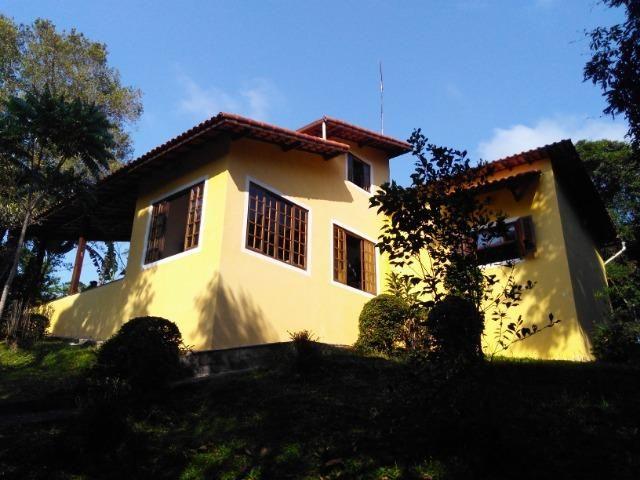 Chácara com casa de alto padrão e com linda e imensa piscina.(Tel. *) - Foto 5
