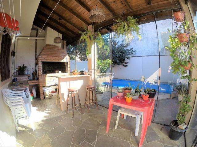 Casa à Venda no Bairro Parque Pinheiro 4 Dorm, Lareira, Churrasqueira, Piscina - Foto 3