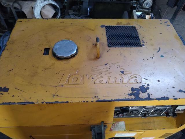 Motor Toyama diesil 10HP gerando 7KVA