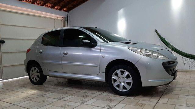 Peugeot 207 1.4 Flex 2010/2011 - Foto 2