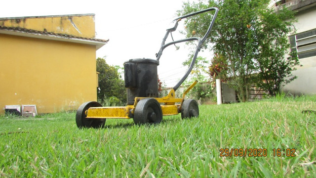 Máquina de cortar grama elétrica - Foto 2