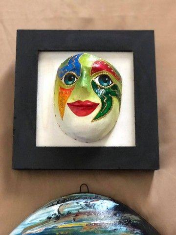 Mascara e quadro decorativo - Foto 4