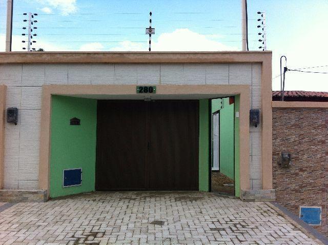 Casa Plana c/ 02 suítes, Terreno 5x30, bairro Novo Maranguape