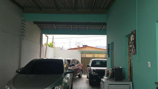 Alugo Linda casa Com Piscina no Parque 10 com 5 Quartos e 2 Suítes - Foto 4