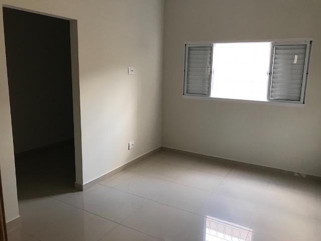 Casa nova 150m em condomínio fechado - suite - closet - area de churrasco - Foto 5