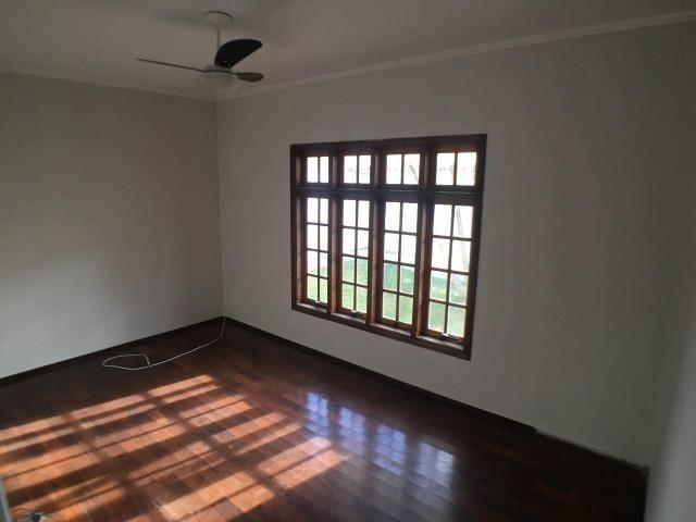 Aluga casa com 5 quartos no bairro Fátima II - Foto 5