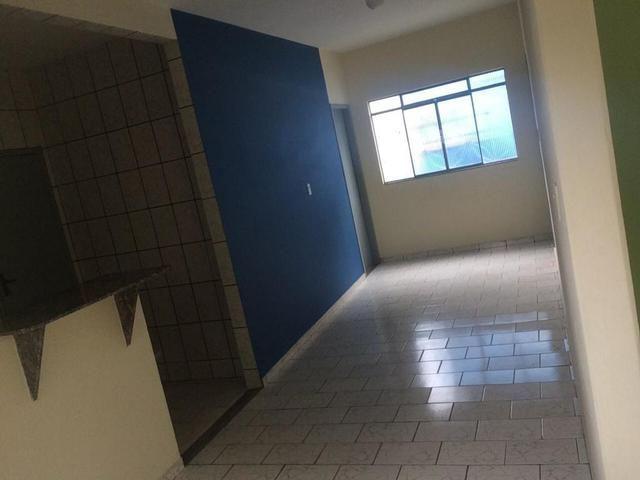 Ótima casa recém reformada no Bairro Aeroporto - Foto 2