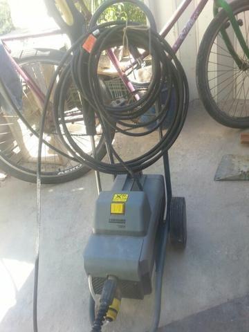 Lavadoura lavajato auta pressão 1700 libras de pressão karcher 585  proficional