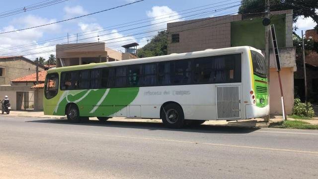 Ônibus bem novinho - Foto 2