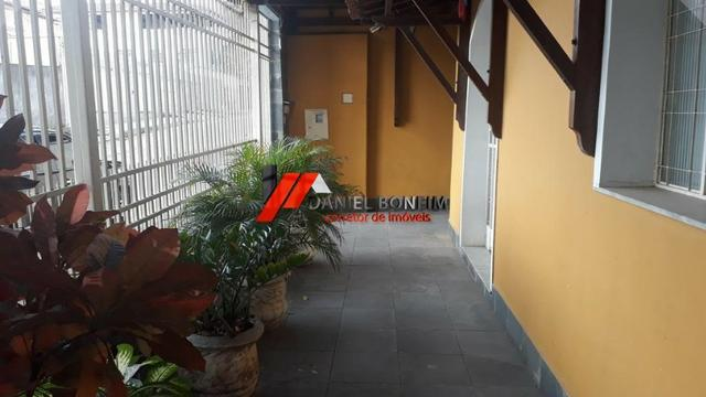 02 casas edificadas em lote de 360 m2 - no bairro N.S das Graças