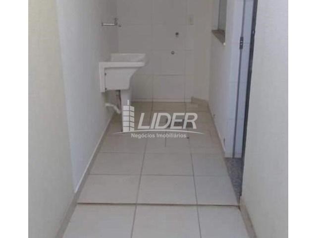 Casa de condomínio para alugar com 2 dormitórios em Saraiva, Uberlândia cod:864946 - Foto 6