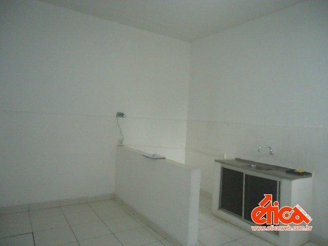 CASA DE 2/4 E PORÃO HABITAVEL - Foto 14