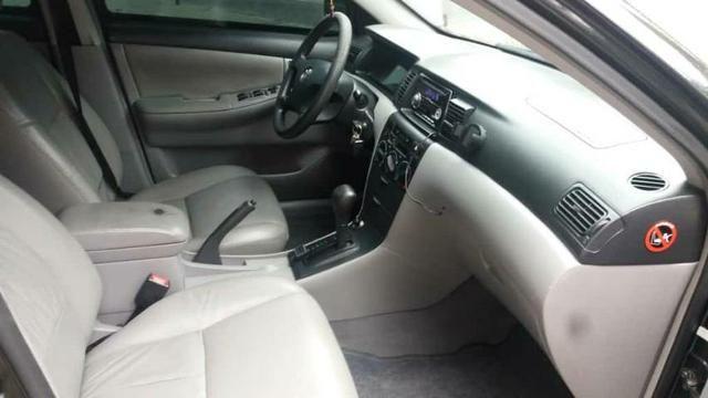 Corolla Brindado Completo automático 2005 valor 18.000 mil na troca considerado a tabela - Foto 4