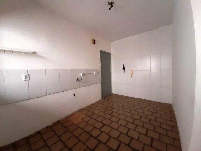 Amplo apartamento no centro da cidade de Novo Hamburgo com 03 dormitórios - Foto 6