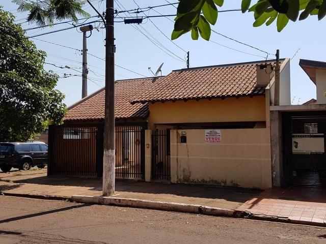 8445 | Casa à venda com 3 quartos em BNH 1. Plano, Dourados