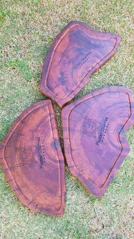 Tábua de churrasco  em madeira ótimo presente  - Foto 2
