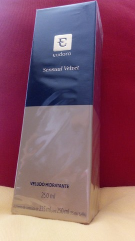 Loção Hidratante Desodorante Corporal Sensual Velvet 250ml - Foto 2