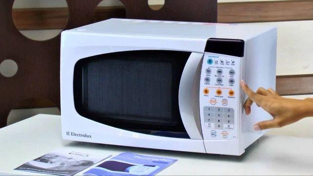 Forno Micro-ondas Electrolux 18L Semi Novo - Foto 3