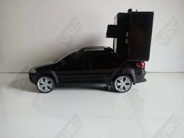 Miniatura Fiat Strada com mini paredão - Foto 3