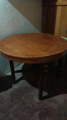 Desapegando mesa sem cadeira