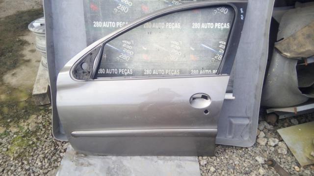 Porta dianteira esquerda peogeut 206/207 - Foto 2