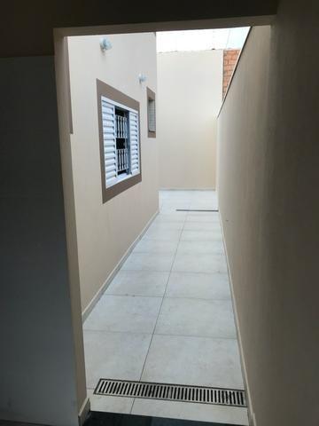 Casa nova 150m em condomínio fechado - suite - closet - area de churrasco - Foto 12