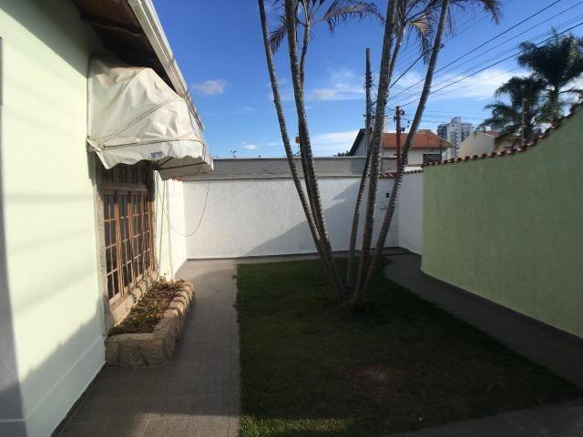 Aluga casa com 5 quartos no bairro Fátima II - Foto 2
