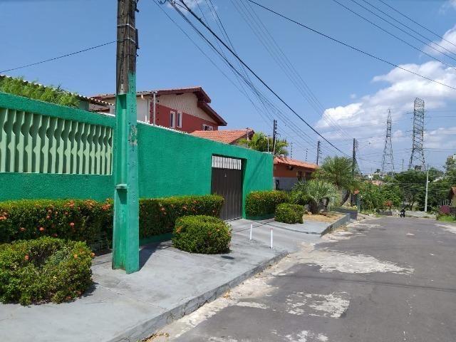 Alugo Linda casa Com Piscina no Parque 10 com 5 Quartos e 2 Suítes - Foto 12