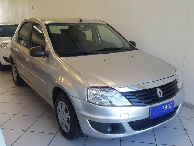 Renault Logan 1.0 completo 2011