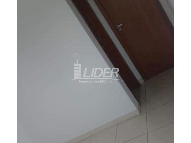 Casa de condomínio para alugar com 2 dormitórios em Saraiva, Uberlândia cod:864946 - Foto 10